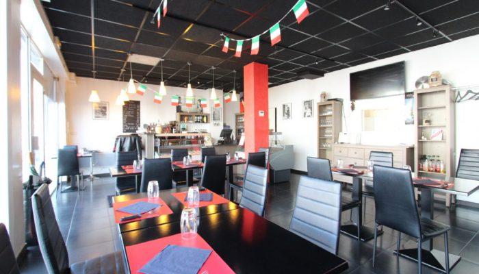 Restaurant Italien-Pizzeria, clientèle du midi.